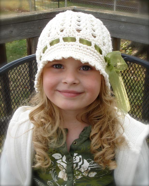 Crocheting: Katrina Cloche