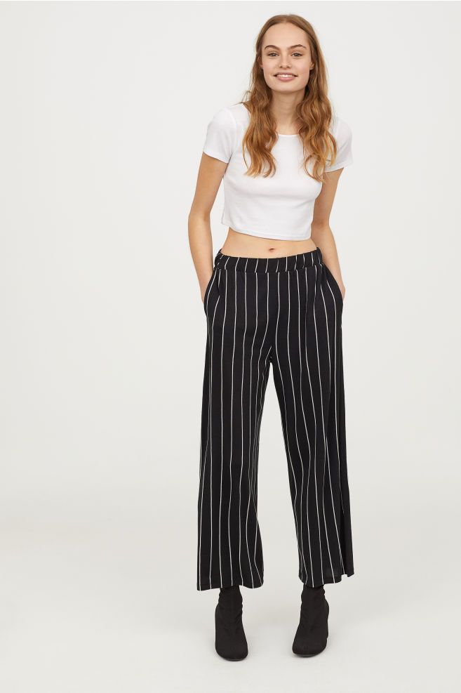 410c3d309d97 Wide jersey trousers in 2019   Clothes   Black pants, Black white ...