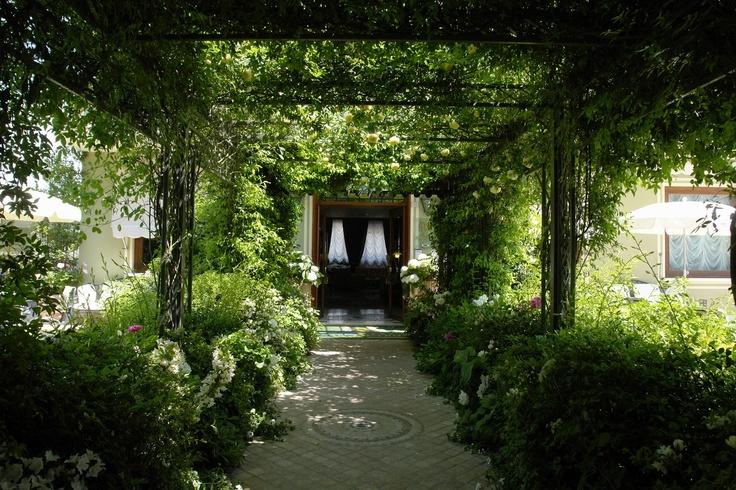 Hotel, Resort e Spa: Hotel San Pietro - Gemma di Charme nel verde del Garda - Paghera Giardini