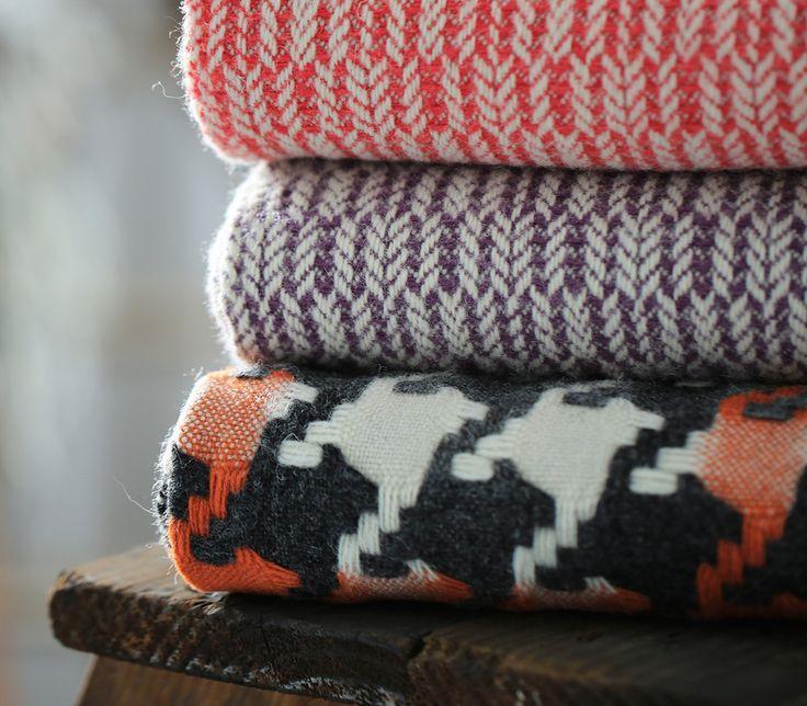 """Mantecas"" throws / blankets to warm the autumn"