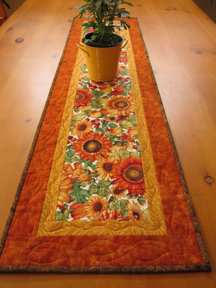 Quilting Table Runner Ideas : 25+ Best Ideas about Quilted Table Runners on Pinterest ...