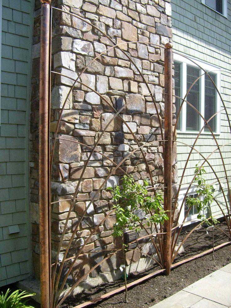 17 best images about copper pipe on pinterest gardens for Wire garden trellis designs