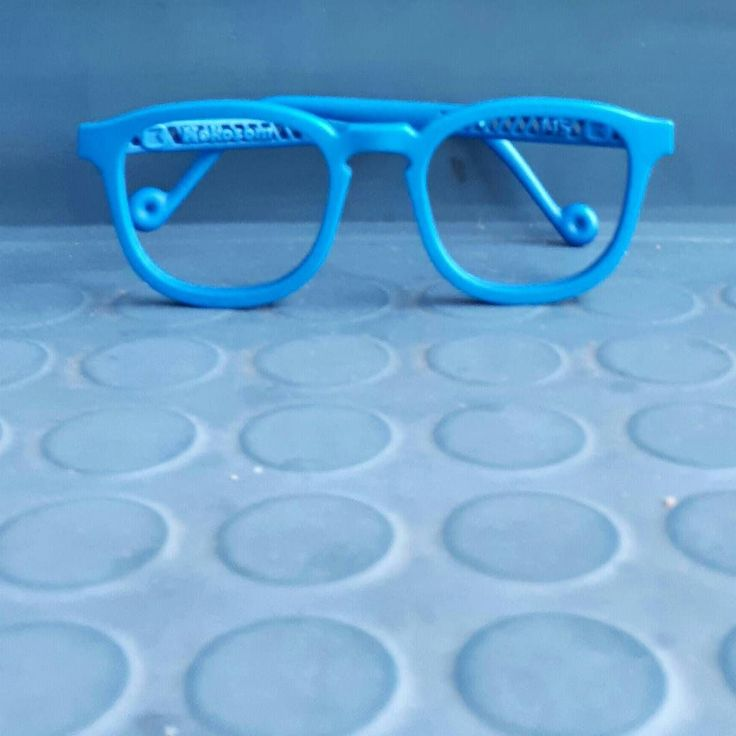 It's all about the rich colors - the delicious turquoise has quickly become one of our most popular frame colors. We love it too! #kokosom #turquoise #autumncolors #3dprinting #eyewear