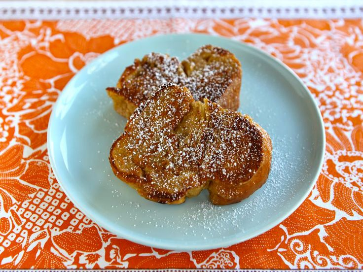 Challah French Toast with Powdered Sugar