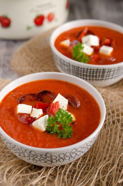 Zupa z pieczonej papryki z chorizo