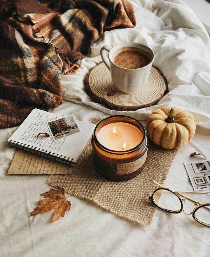 Bougie, courges, chocolat chaud à la cannelle : le parfait combo d'automne