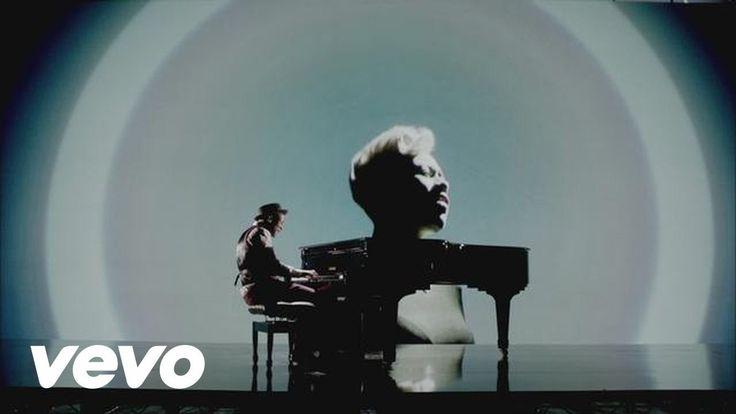 Wonderful!!! Labrinth - Beneath Your Beautiful ft. Emeli Sandé