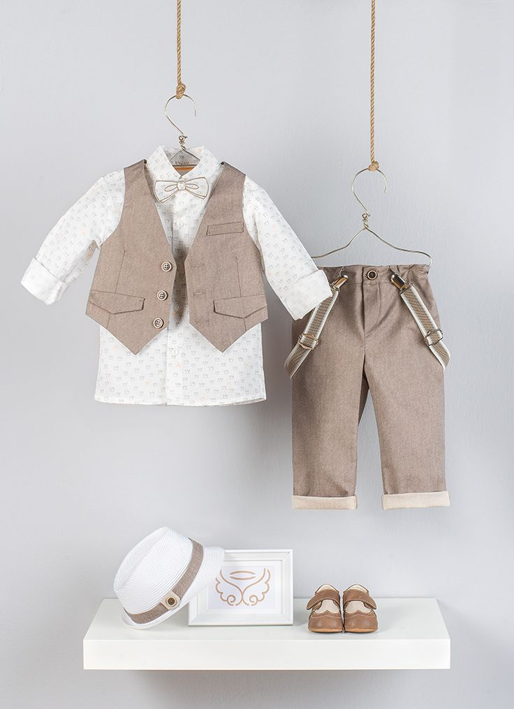 vest in double face beige gabardine, half lining and flap pockets   Embroidered puffer bow tie on the same fabric of the shirt. simply fastened to the shirt button  Shirt in Ecru cotton satin printed crowns and details on back side collar  trousers  in straight leg line in double face Beige gabardine   Suspenders in beige color shades in elastic band  White straw hat with beige band and detail used the reverse side of the fabric