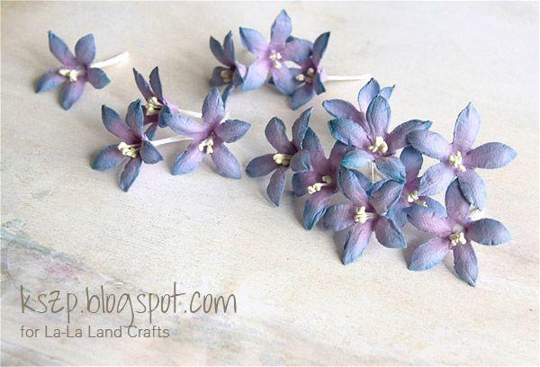 Klaudia 's  Bellflower tutorial - love how she achieved the beautiful shading