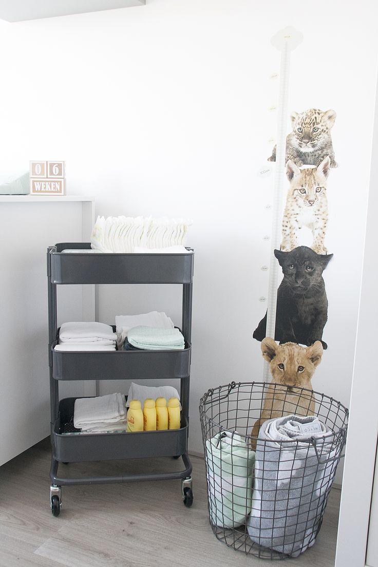 Onze mintgroene babykamer / kinderkamer met rol trolley van Ikea // Our nursery room