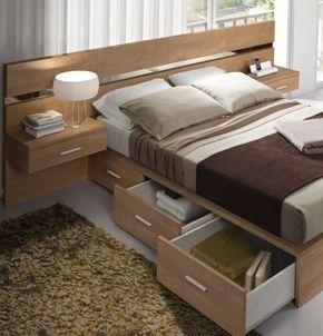 aprovechando el espacio en el dormitorio de matrimonio, cama con cajones contenedores y mesitas elevadas www.moblestatat.com horta guinardó barcelona