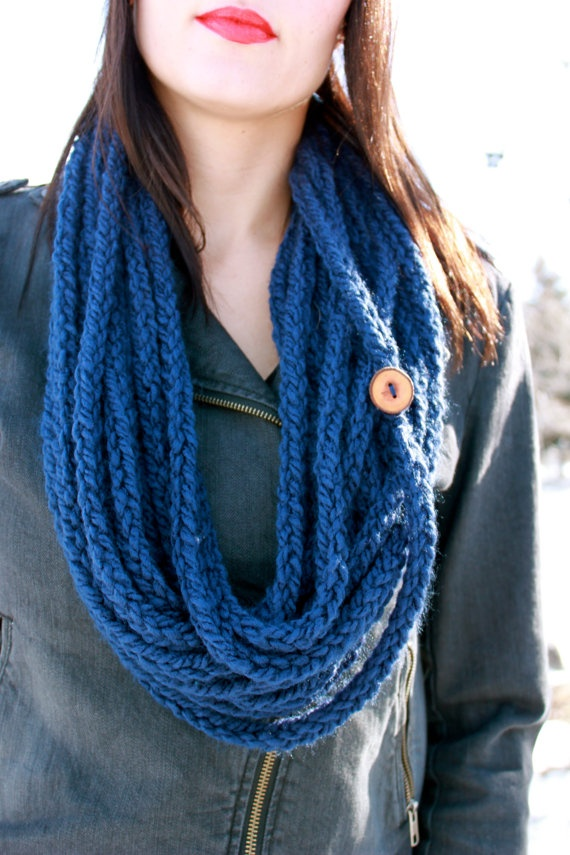 Infinity Lucet Scarf