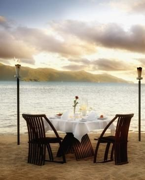 romantic table setting for two | Posted by Rashi | Labels: Dinner table decoration , Valentine's day