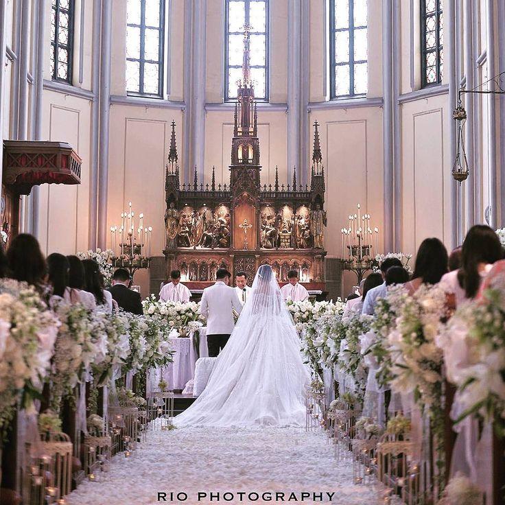 """""""The holy matrimony of @chelseaoliviaa @glennalinskie #glennchelseawedding #riomotret #riophotography"""""""