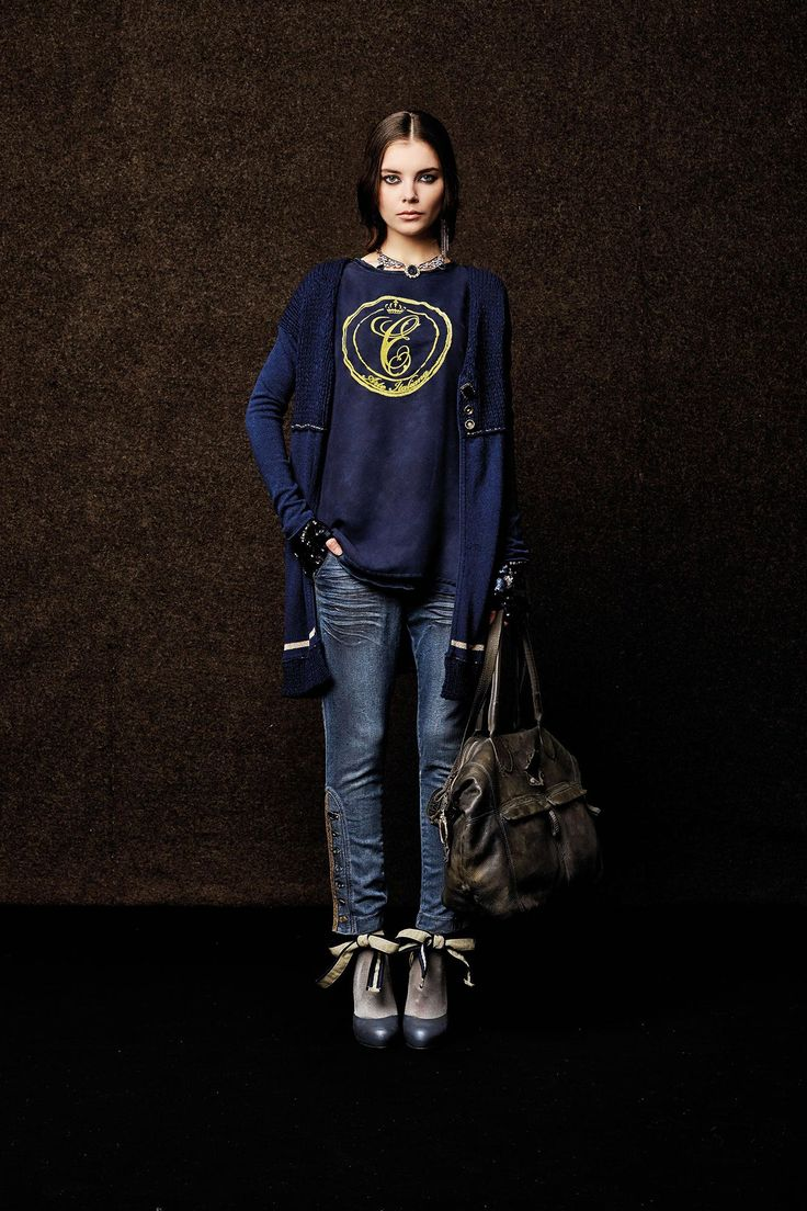 #danieladallavalle #collection #elisacavaletti #fw15 #blue #vest #tshirt #denim #jeans #leather #bag
