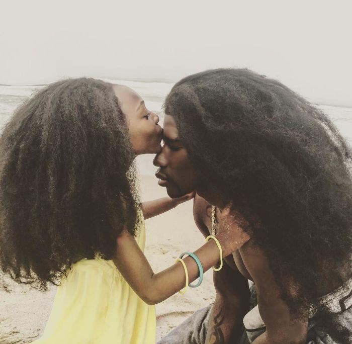 dueto-de-pai-e-filha-penteados-naturais-2
