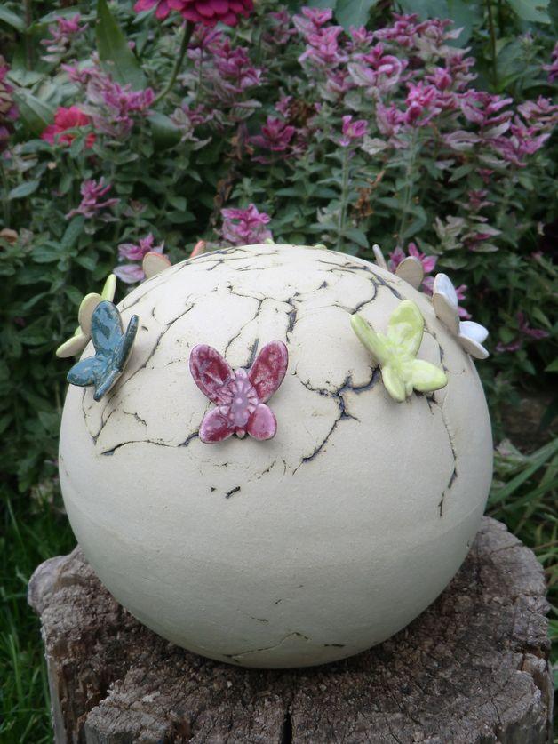 Gartenkugeln & -stelen - Gartenkugel Butterfly - ein Designerstück von Atelier-Keramixx bei DaWanda