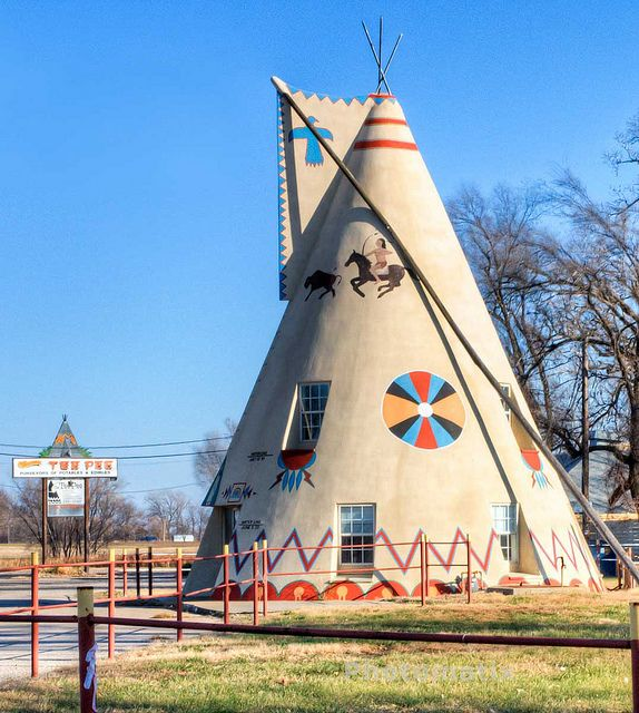 Roadside Kansas Tee-Pee ...Lawrence, Kansas.  We knew we were almost there when we saw this.