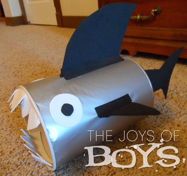 Shark Valentine box - Easy Valentine boxes for boys