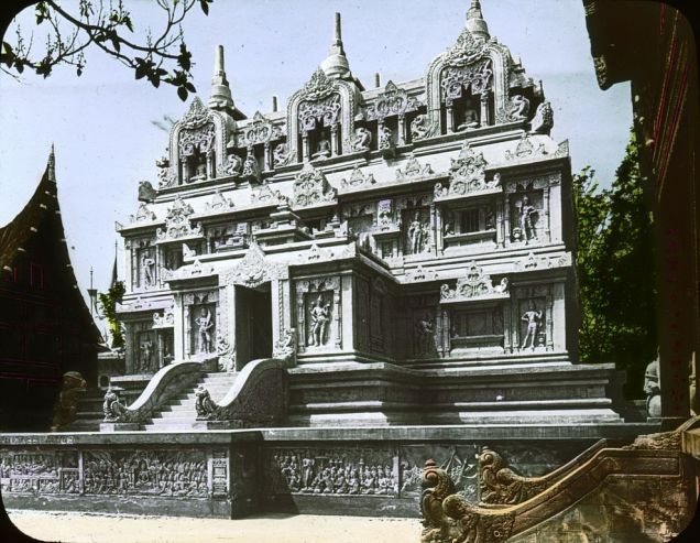 Paris World's Fair of 1900 - The Dutch East Indies Pavilion, a replica of Candi Sari, a 8th-century Buddhist temple in Indonesi