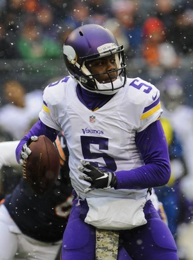 Minnesota Vikings quarterback Teddy Bridgewater steps back to throw.