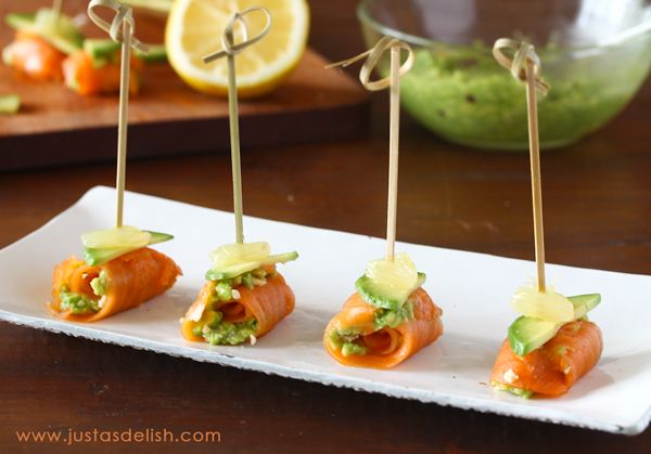 New Zealand Week Culinary Demo and Smoked Salmon Bites | JustAsDelish.com Ingredients      10 pieces Rutherford & Meyer Cheese Wafer Bites     1 package Regal Manuka Smoked Salmon     1 Avocado     1 teaspoon finely diced Onion     2 tablespoon Lemon Juice     pinch of Salt     2 Lemon Slices, about ¼ inch thick - cut into segments