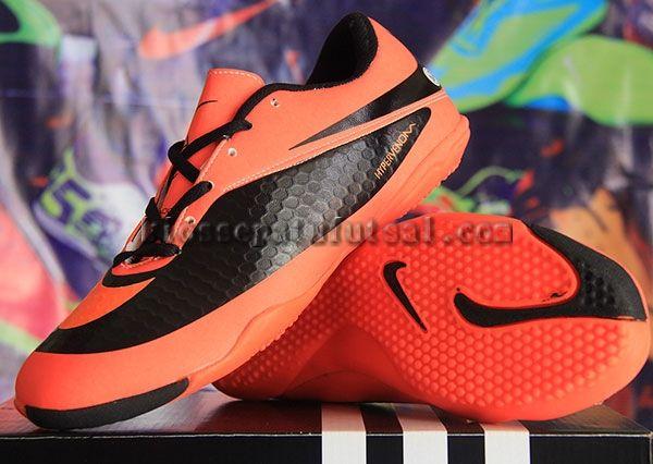 Sepatu Futsal Nike Hypervenom Hitam Merah Muda Sol Ori, Harga:200.000, Kode:Hypervenom Hitam Merah Muda Sol Ori, Hub: SMS/BBM ke:8985065451/75DE12D7, Cek stok: http://kiossepatufutsal.com/nike-hypervenom-hitam-merah-muda-sol-ori
