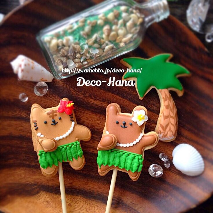 さとみ  satomi decofood's dish photo 100均のくまちゃん型でフラガールのアイシングクッキー | http://snapdish.co #SnapDish #クッキー #パーティー #おやつ