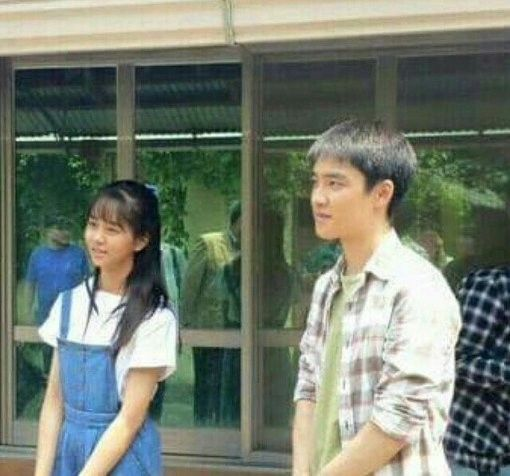 "EXO's D.O and Kim So Hyun Spotted Filming Movie ""Pure Love"""