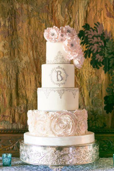 Elegant wedding cake: http://www.stylemepretty.com/florida-weddings/winter-park-fl/2014/08/01/glitter-and-blush-winter-park-wedding-at-casa-feliz/   Photography: Amalie Orrange - http://amalieorrangephotography.com/