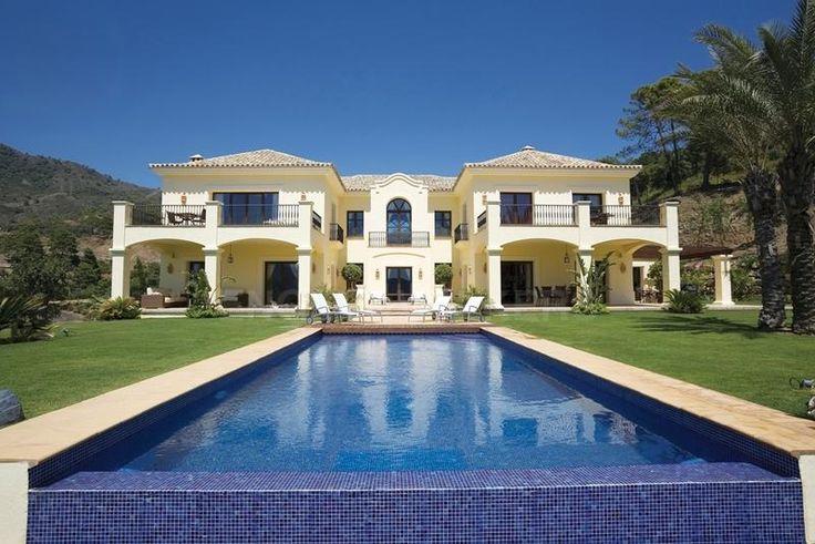 W 01ZWBV 6 Bedrooms 6 Bathrooms 850 M² Built 850 M² Interior 250 M² Terrace  4.151 M² Plot This Elegant Villa Had Its Interior ...