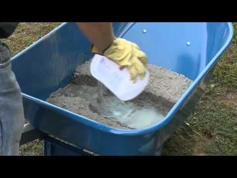 How to Hand Mix Concrete with QUIKRETE for stepping stone projects