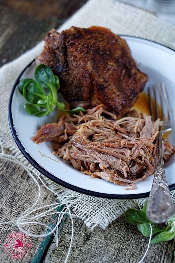 Pulled pork - wieprzowina długo pieczona, szarpana