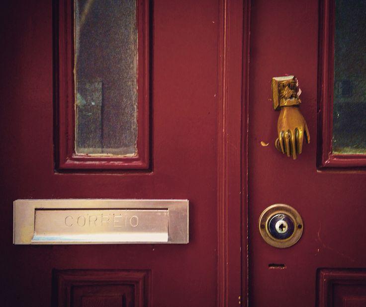 Door, Alfama