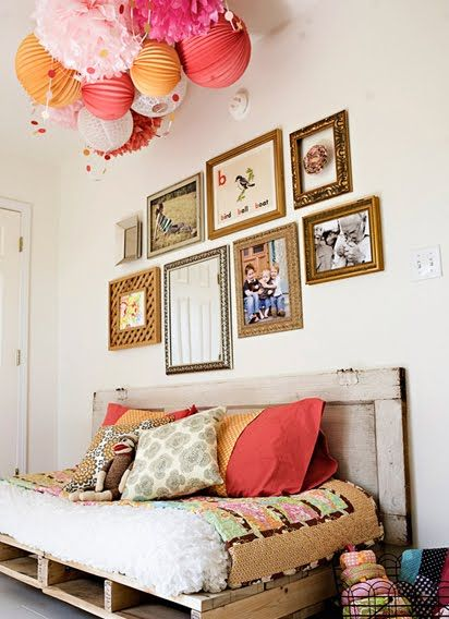 paper lantern mobile: Pallets Couch, Woods Pallets, Paper Lanterns, Pallets Daybeds, Pallets Beds, Guest Rooms, Old Doors, Pom Pom, Pallets Day Beds