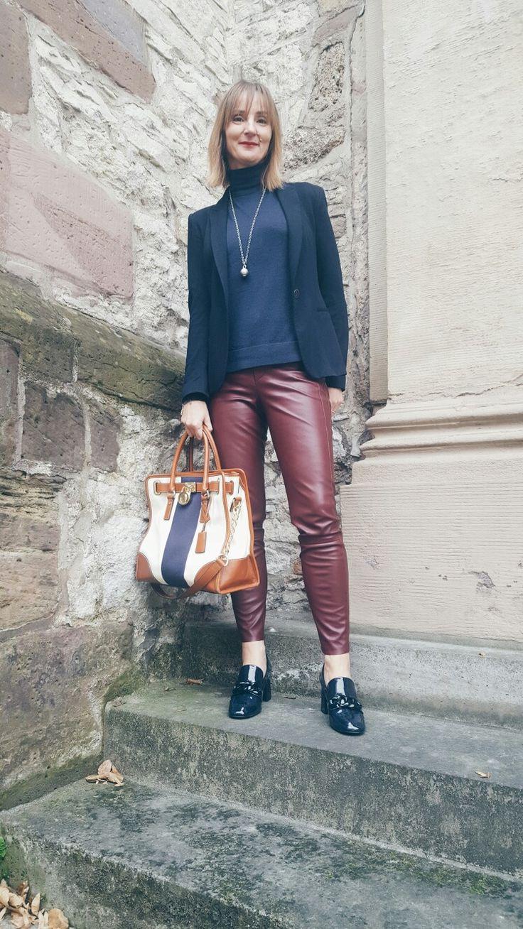 Elegance&Ease mit Blazer, Rolli und Loafers.