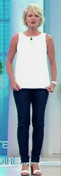 Sophie Davant sur france 2 – Les jambes, pieds et talons hauts vus à la télé …