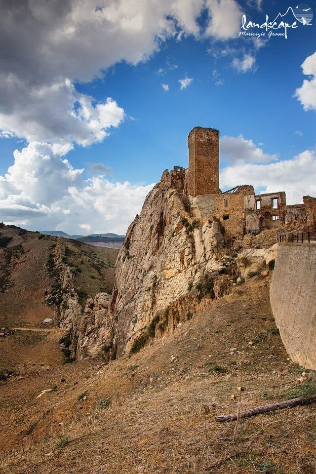 Castello di Pietratagliata, Valguarnera, Enna, Sicily  #enna
