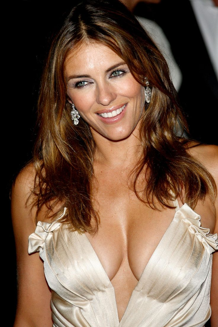 Celebrity Actress Elizabeth Hurley Topless And Sexy Movie ...