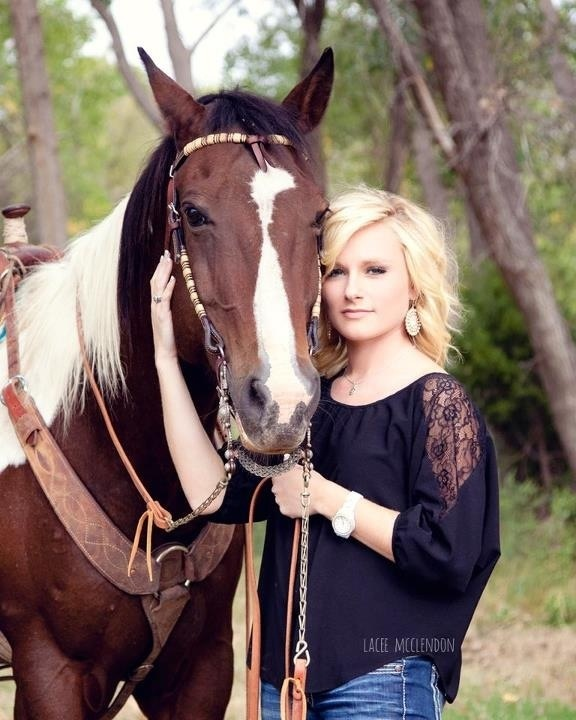 Senior Picture! #love #country #girl #senior #cowgirl ...