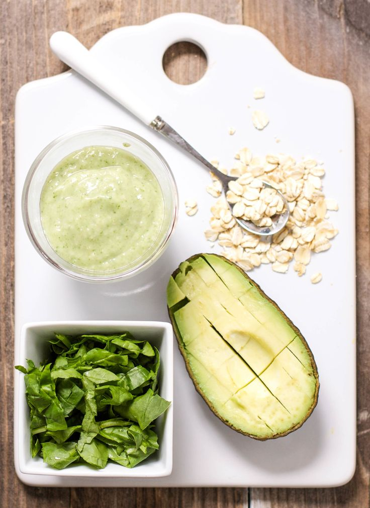 Who says oats are only for breakfast? This gentle green puree is loaded  with fiber rich oats, healthy spinach, creamy avocado and is perfect for  baby's lunch or dinner. A puree that even Popeye would be proud of with its  mighty amount of calcium, iron, Vitamin A and B, protein, iron and good fat  needed for your baby to grow and thrive. Easy to make and easy to eat -  this puree has it all.