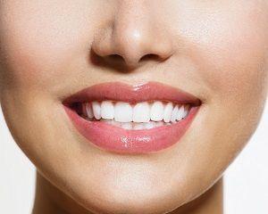 domasnie-sredstva-dla-otbelivania-zubov