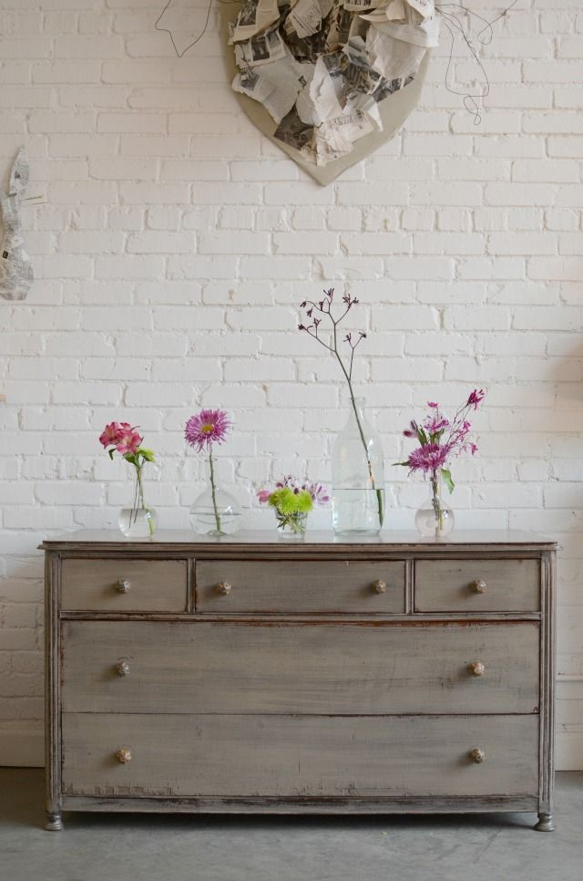 My style is definitely a mix of modern and vintage. Love the look of this dresser.