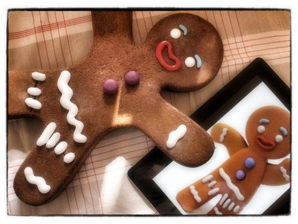 Gingerbread man inspired by Shrek- He was my fav.character in that movie- LOVE :)!