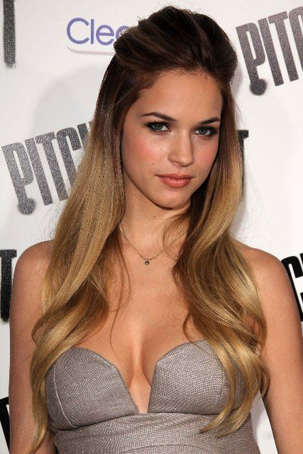 Alexis Knapp Bra Size, Age, Weight, Height, Measurements - http://www.celebritysizes.com/alexis-knapp-bra-size-age-weight-height-measurements/