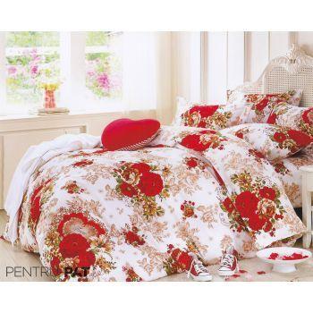 Lenjerie de pat 100% bumbac Pucioasa cu flori rosii #bedroom #bedlinen #cottonbedlinen #lenjeriipat #dormitor #DecoStores #amenajariinterioare #homedesign #lenjeriipatbumbac