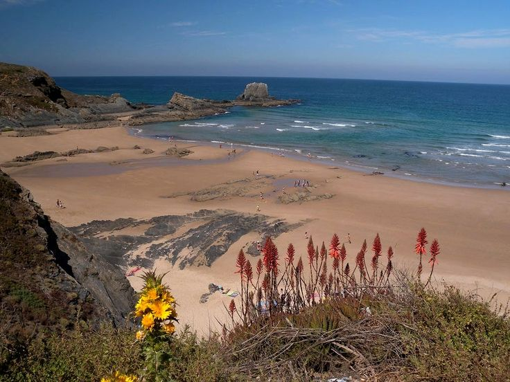 Although located in Alentejo, Zambujeira do Mar has much in common with the surf spots of the Algarve. Set atop a cliff - Portugal