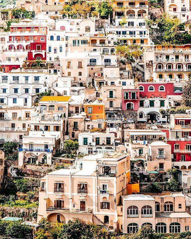 Welcome to Positano,  Italy 📷 Photo by : @thererumnatura 📷 Share your favorite cities and include #cbviews ✔ Позитано , Италия . #Positano #Italy #Italia #amalficoast #Италия