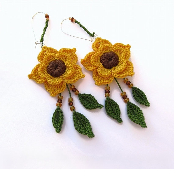 MADE to ORDER - Flower - Customizable Earrings, Crochet, Flowers, Sunflowers, Yellow, Green, Brown,. €20,00, via Etsy.