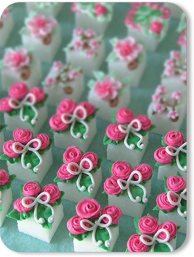 Cookies 'N Cream: Petite Rose Bouquet Hand Decorated Sugar Cubes